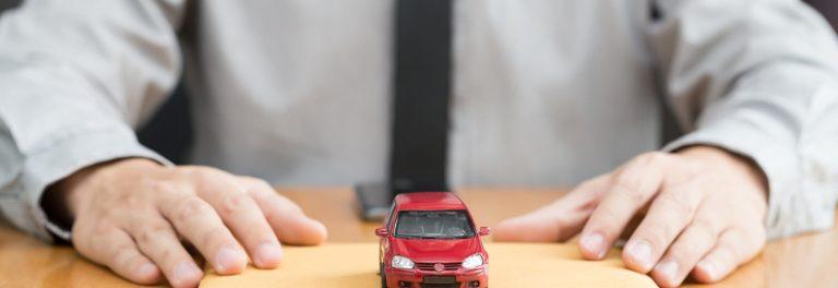 Servizi auto; assicurazione, tagliando, garanzia, finanziamento